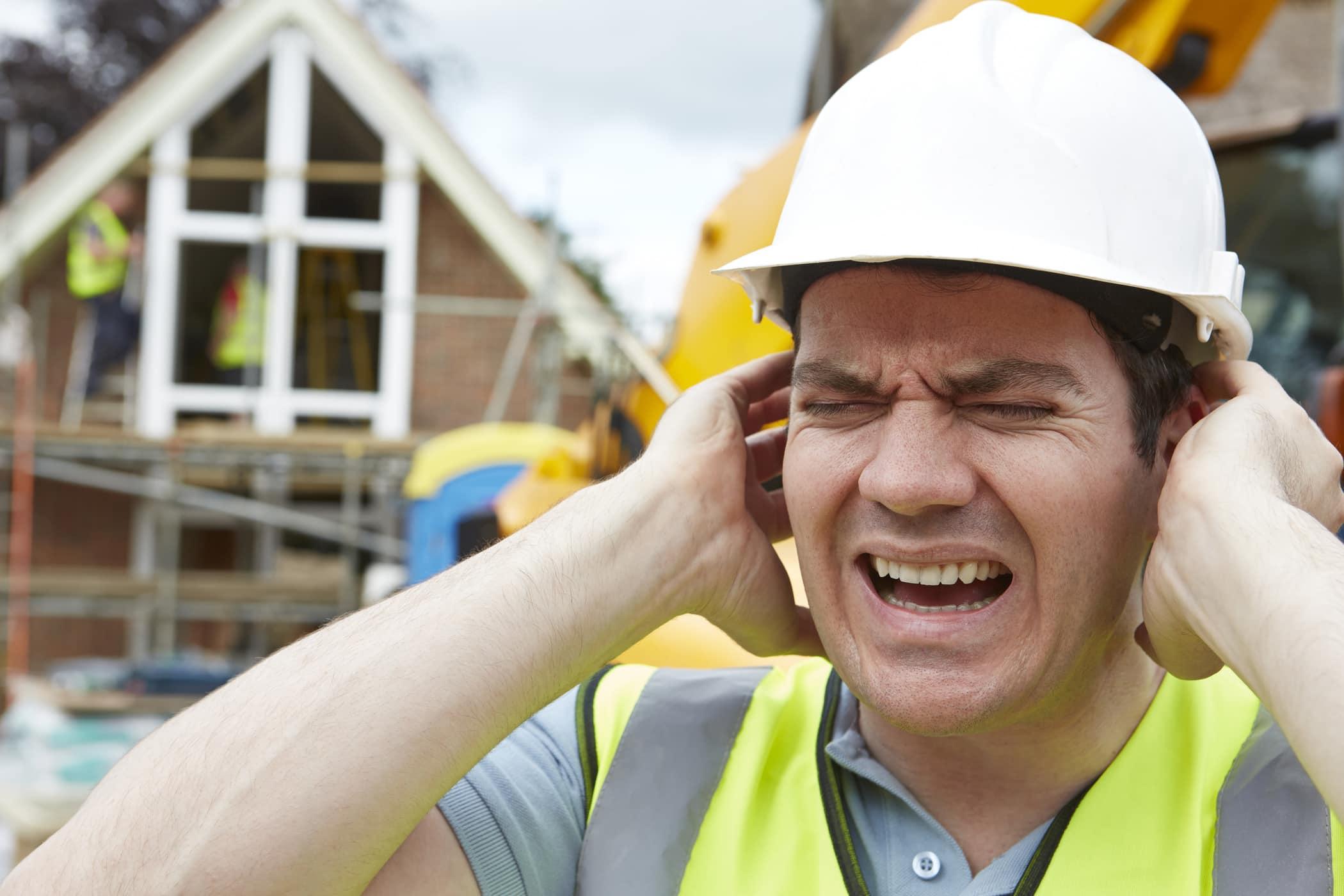 gangguan pendengaran akibat kebisingan pada tenaga kerja